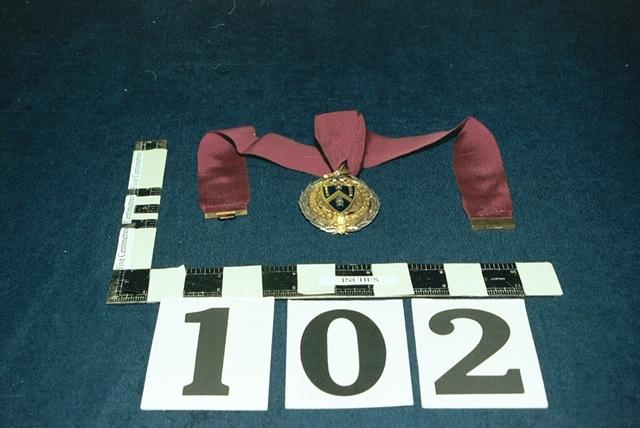 Burglars steal medal and badge from Wheathampstead home | St