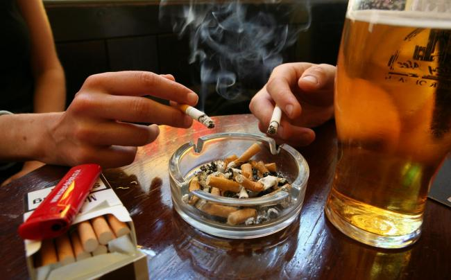 Smoking could be banned outside pubs, cafes and restaurants, if new proposals get the go-ahead