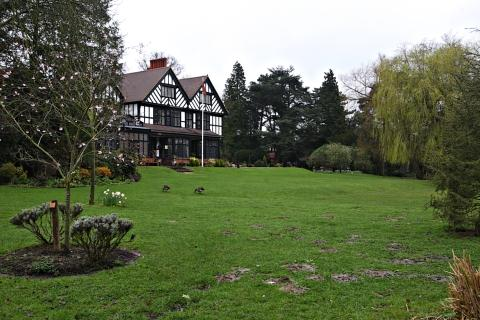 St Albans & Harpenden Review: Bhaktivedanta Manor