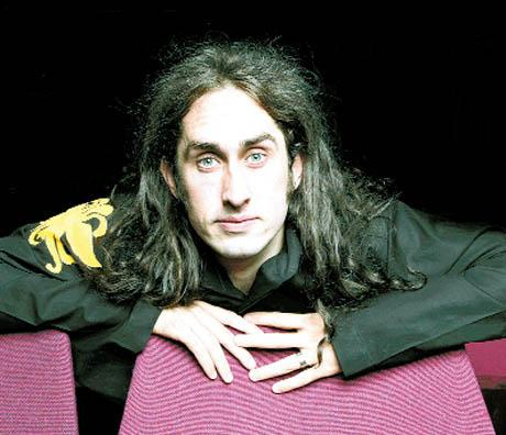 St Albans & Harpenden Review: Ross Noble