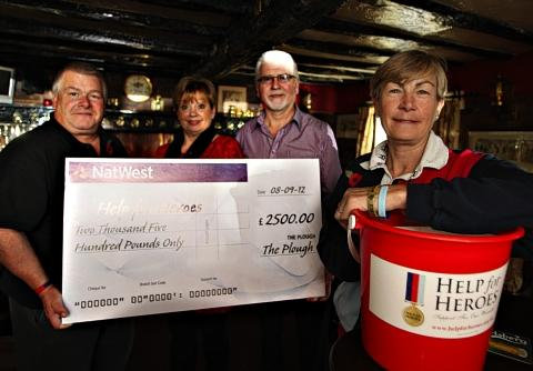 Pub raises £2,500 for Help for Heroes