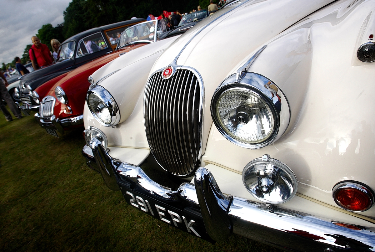 Harpenden revs engines for annual classic car show