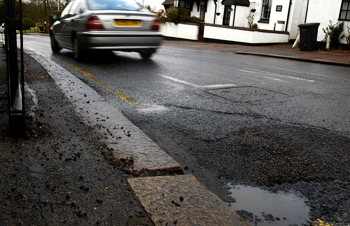 Review launched into 'unacceptable' performance of highways contractor