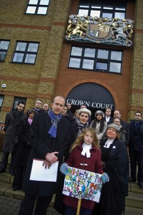 Barristers protest outside St Albans Crown Court over legal aid cuts