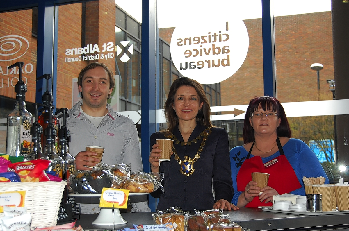 Coffee cart staffed by volunteers officially launches in civic centre