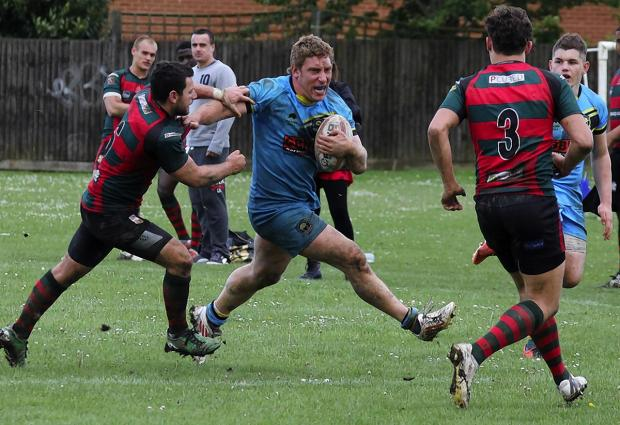 Joe Shaw attacks during the Cents' defeat to London Skolars A