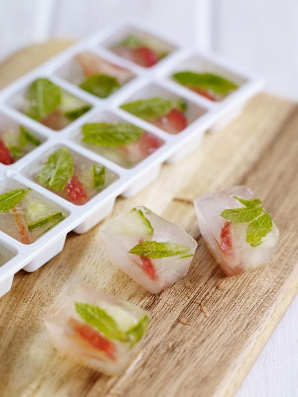 Sweet Eve strawberry and mint ice cubes