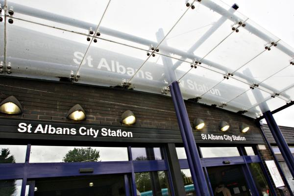 Train delays at St Albans City station