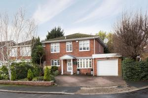 A Stunning Family Home In Stanmore