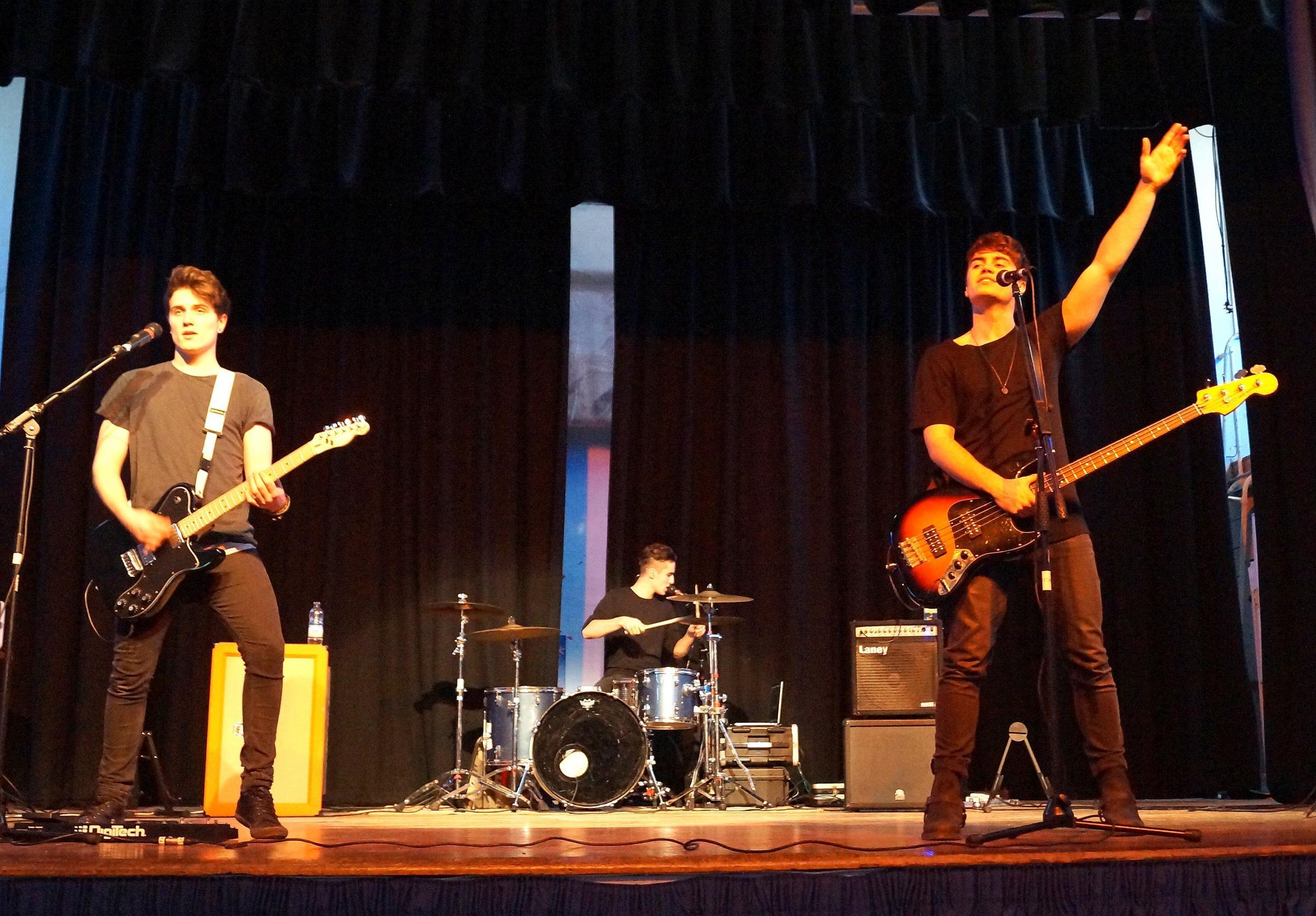 Boy band raises roof of St Albans school