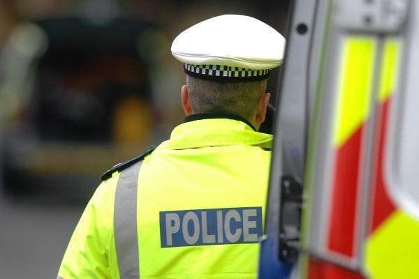 Teen boy arrested after knife robbery in Harpenden